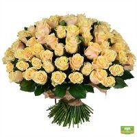 Купить букет из 101 кремовой розы с доставкой