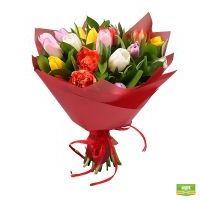 19 разноцветных тюльпанов