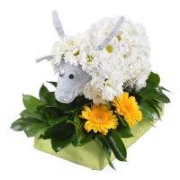 Игрушка из цветов «Коза» с доставкой