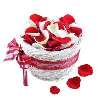 Красные и белые лепестки