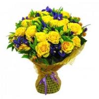 Букет «Золотой рассвет», букет из желтых роз, желто фиолетовый букет, букет желто синий, букет из ро