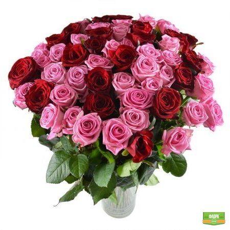 Букет изящных роз