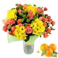 букет женщине, яркий букет, букет из роз и хризантем