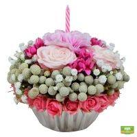 Оригинальный букет «Кекс из цветов» купить в интернет магазине
