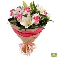 Заказать красивый букет цветов «Клубника со сливками» с доставкой