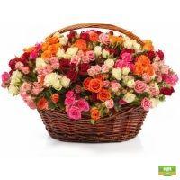 Заказать корзину кустовых роз с доставкой в любой город страны и мира.