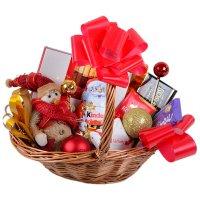 Корзина с подарками