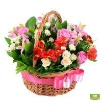 Заказать букет «Корзина счастья» с доставкой, цветы в корзине с доставкой