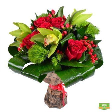 Красно-зеленый букет