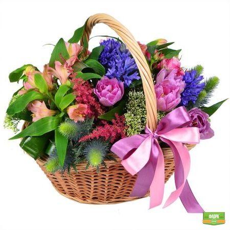 Необычная корзина цветов