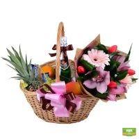 Купить подарочную корзину и букет сезонных цветов с доставкой