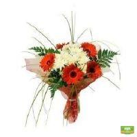 Купить букет из гербер и хризантем в интернет-магазине с доставкой.