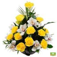 Ритуальна корзина из живых цветов № 16