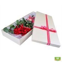 Купить розы в подарочной коробке с доставкой