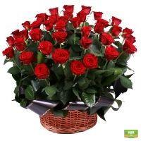 Купить траурную корзину из красных роз с доставкой в любой город
