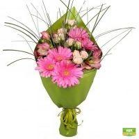 Заказать букет «Цветочное ассорти» для близких с доставкой в любой уголок страны и мира.